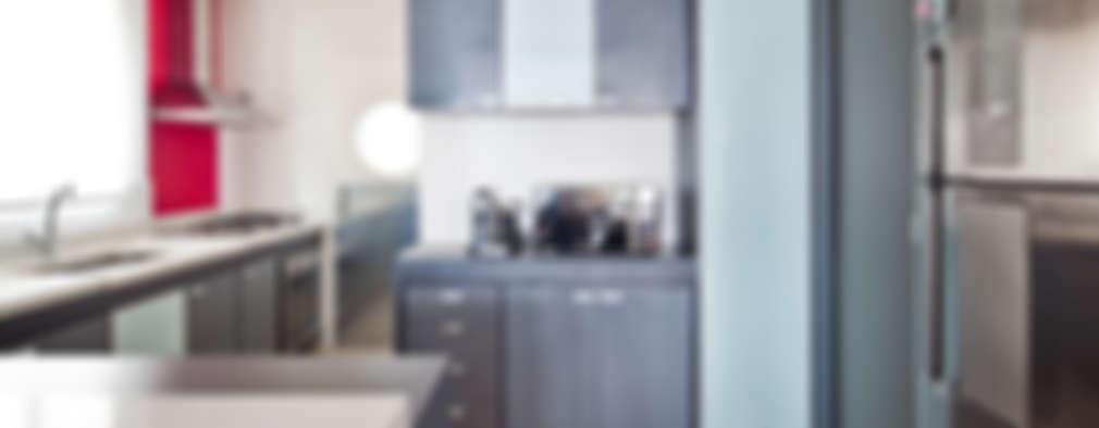 Cocinas de estilo minimalista por Laranja Lima Arquitetura