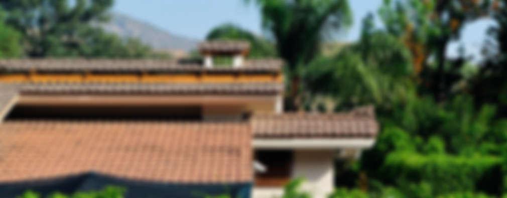 tejado: Casas de estilo asiático por Excelencia en Diseño
