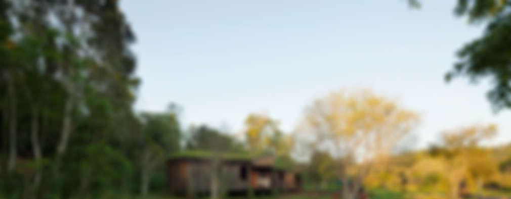 Comuna Yerbas del Paraiso - Misiones: Jardines de estilo rural por IR arquitectura