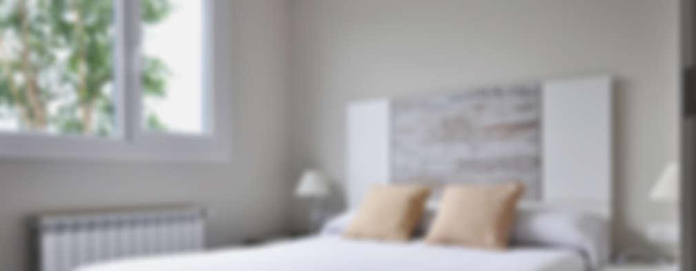 modern Bedroom by Casas Cube