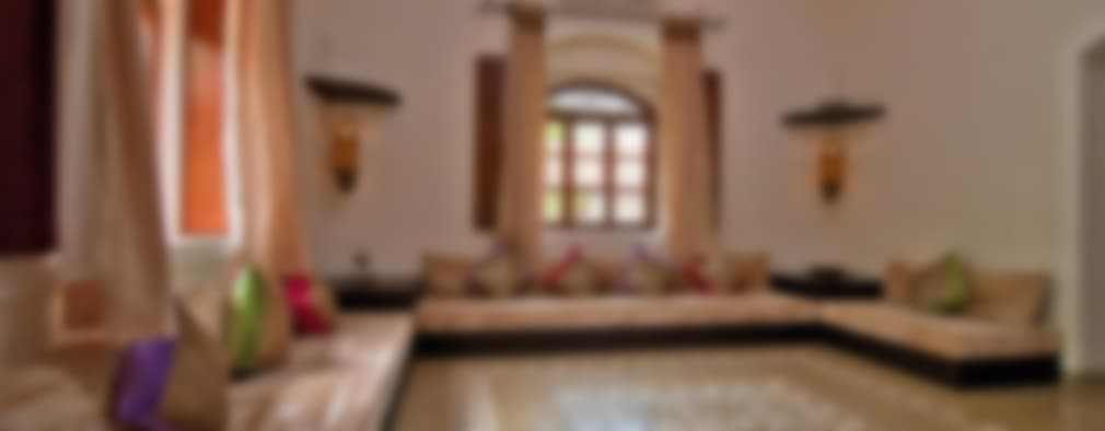 Yassmine: modern Living room by Rita Mody Joshi & Associates
