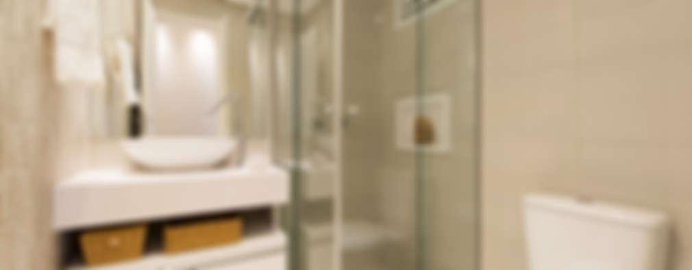 modern Bathroom by TRÍADE ARQUITETURA