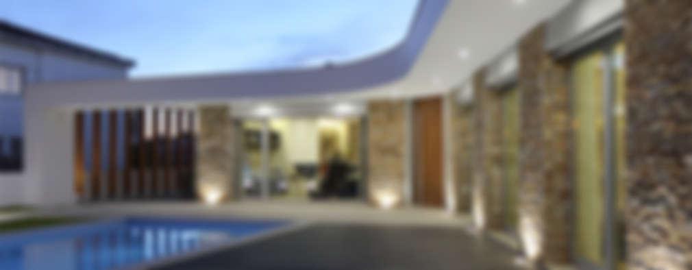 Casas de estilo moderno por SOUSA LOPES, arquitectos