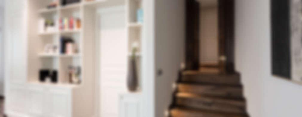 I NEUTRI PERFETTI: Ingresso, Corridoio & Scale in stile in stile Classico di Melissa Giacchi Architetto d'Interni