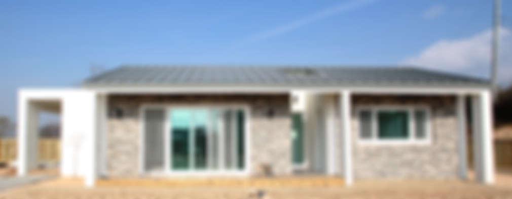 modern Houses by 로움 건축과 디자인
