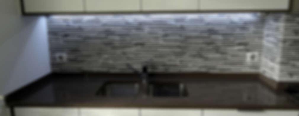 modern Kitchen by Happy Ideas At Home - Arquitetura e Remodelação de Interiores