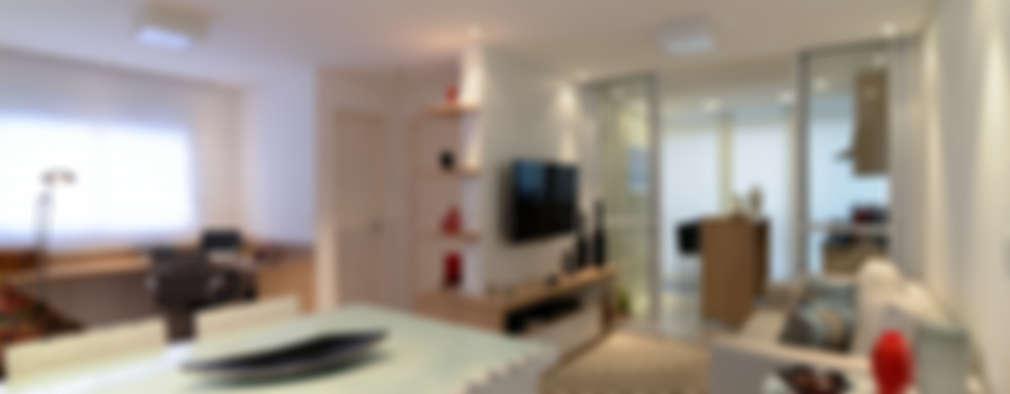 Livings de estilo moderno por RAFAEL SARDINHA ARQUITETURA E INTERIORES