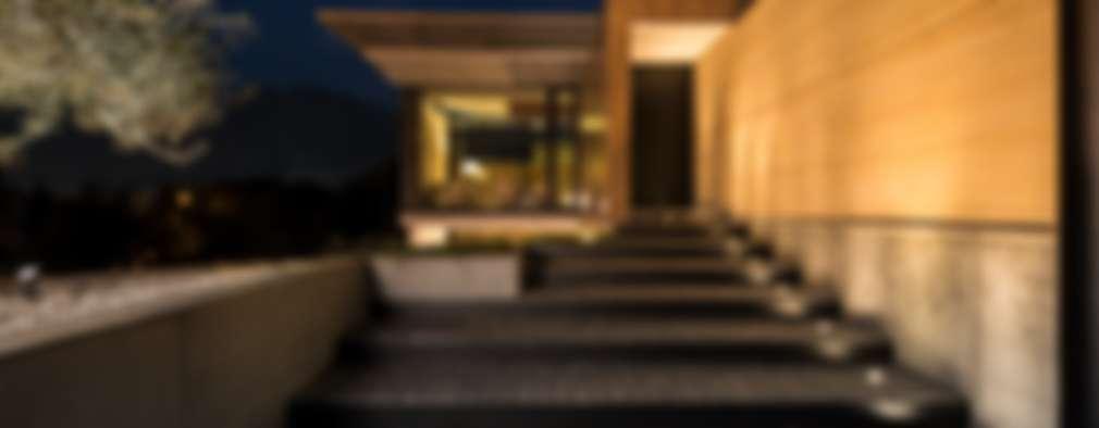 12 tipos de escaleras para decorar tu entrada for Escaleras entrada casa