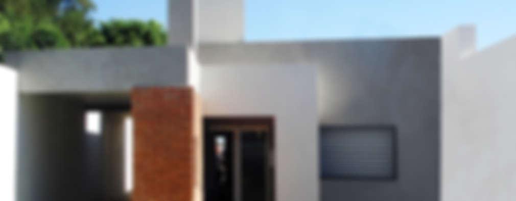 modern Houses by ELVARQUITECTOS