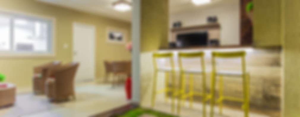 بلكونة أو شرفة تنفيذ Rita Albuquerque Arquitetura e Interiores