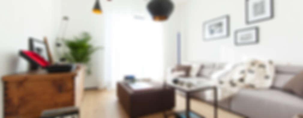 Interior DM: Soggiorno in stile in stile Minimalista di Didonè Comacchio Architects