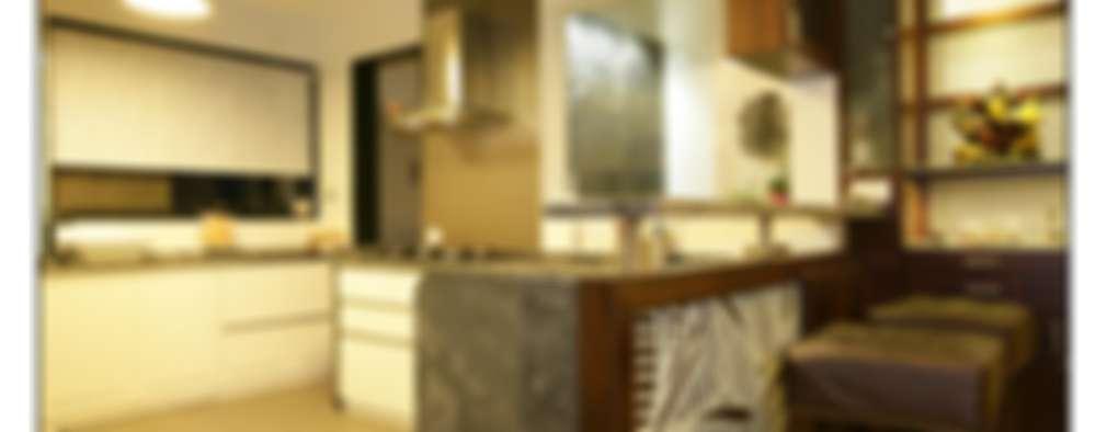 Residence For Captain Nikhil Kanetkar and Ashwini Kanetkar: modern Kitchen by Navmiti Designs