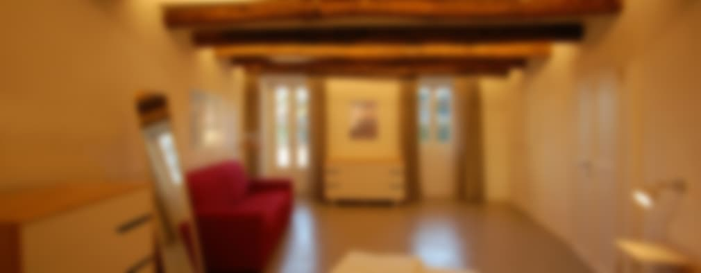 Hanno trasformato questo vecchio rudere in una casa moderna for Case vecchio stile costruite nuove