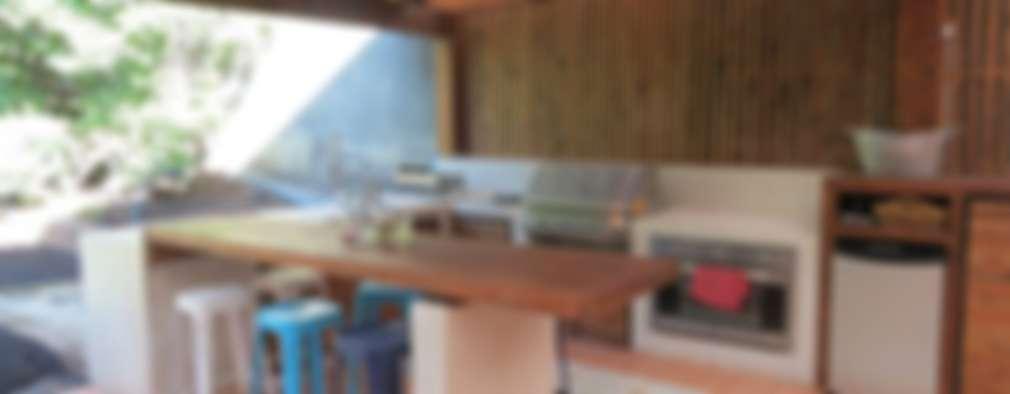 modern Kitchen by OBRAA QUINCHOS Y TERRAZAS