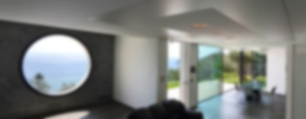 minimalistic Living room by Barra&Barra SRL