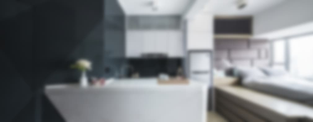 Black-and-white stuido flat in Hong Kong:   by Zip Interiors Ltd