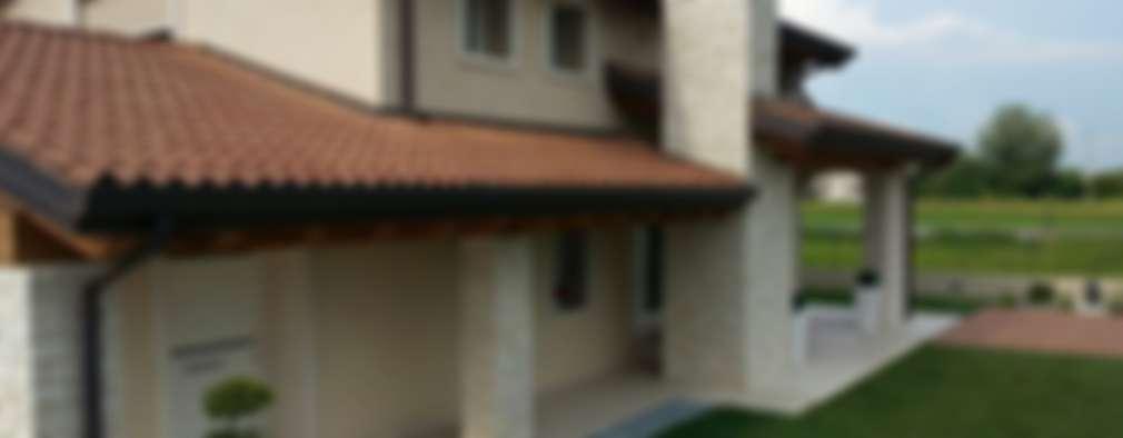 Casa MoDà: Case in stile in stile Classico di Architetti Baggio
