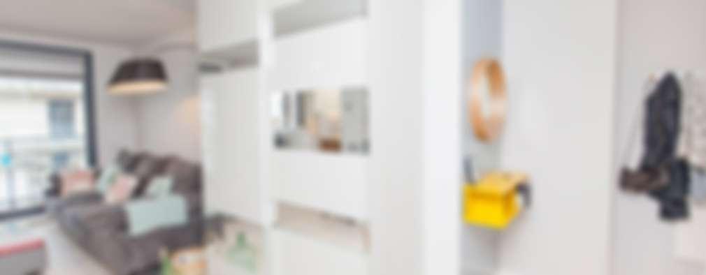 Vestidores y placares de estilo minimalista por Pia Estudi