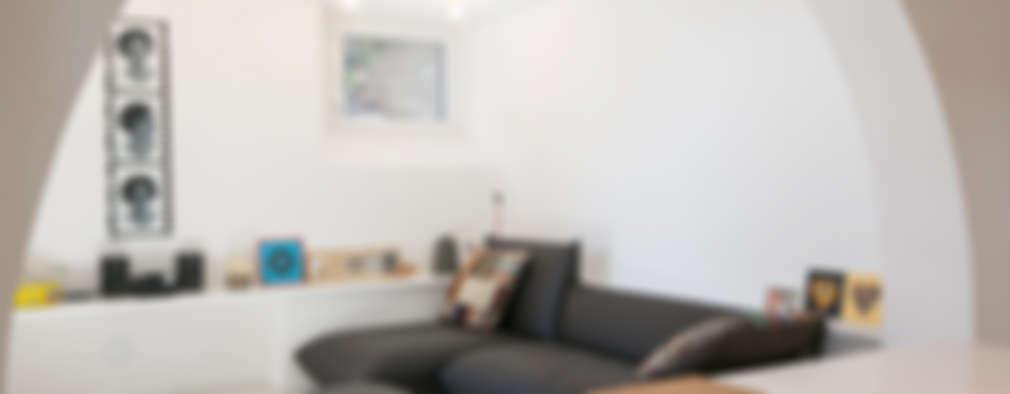 Ruang Keluarga by mc2 architettura