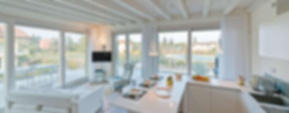 modern Kitchen by Gracious Luxury Interiors