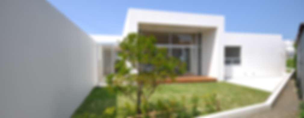Jardins modernos por 門一級建築士事務所