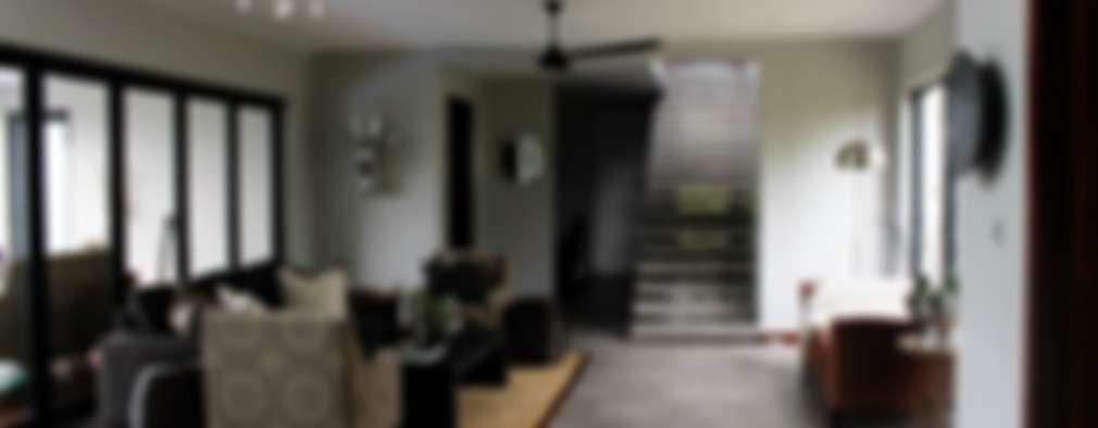 Simbithi Eco Estate 2: classic Living room by Margaret Berichon Design