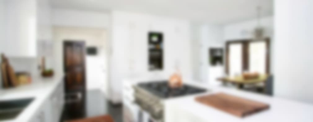 Hollywood Hills: modern Kitchen by Jessica Today Designs