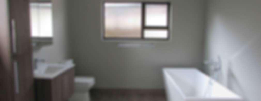 minimalistic Bathroom by DG Construction