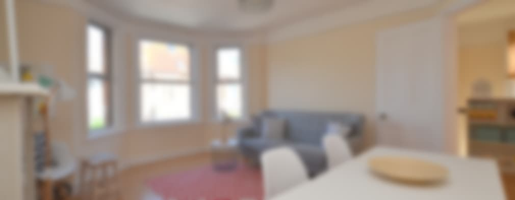 Two bedroom period apartmnt: modern Living room by THE FRESH INTERIOR COMPANY