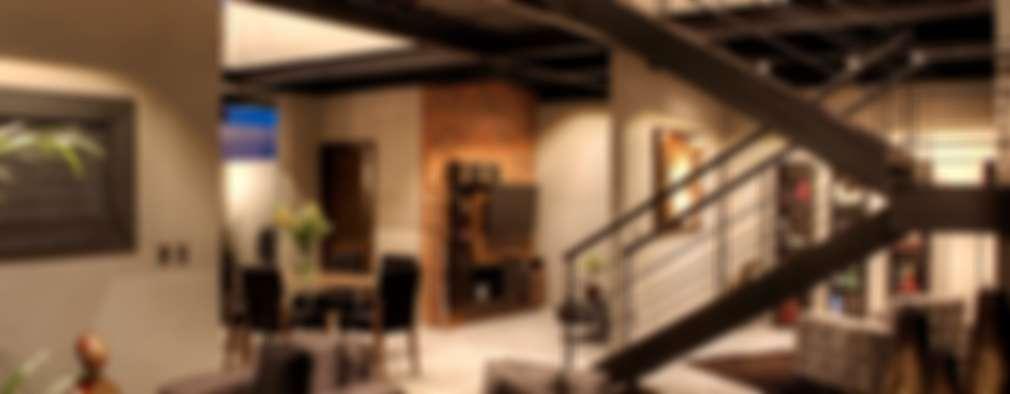 : Salas de estilo industrial por Con Contenedores S.A. de C.V.