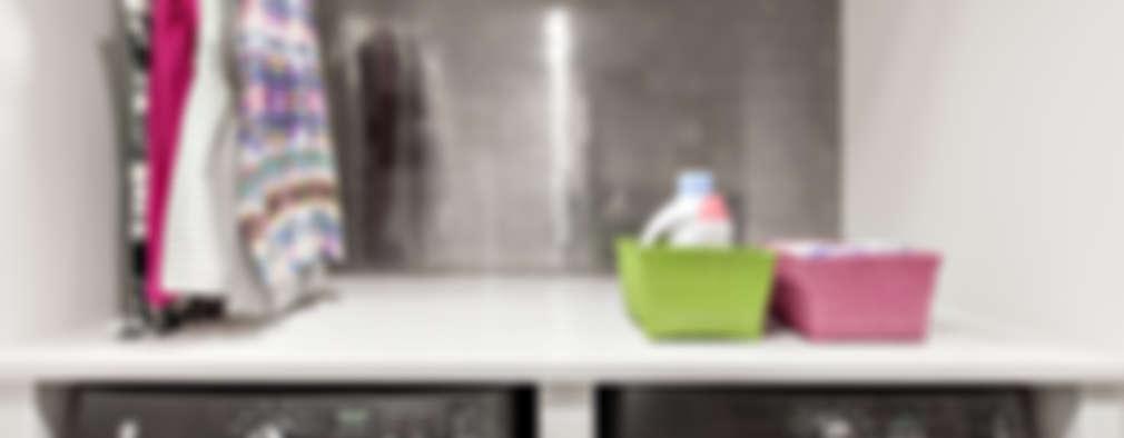 Pasillos y recibidores de estilo  por Clean Design