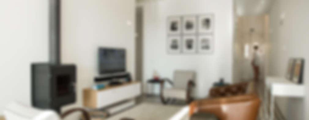 Livings de estilo minimalista por studioarte