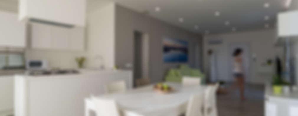 Livings de estilo moderno por DFG Architetti