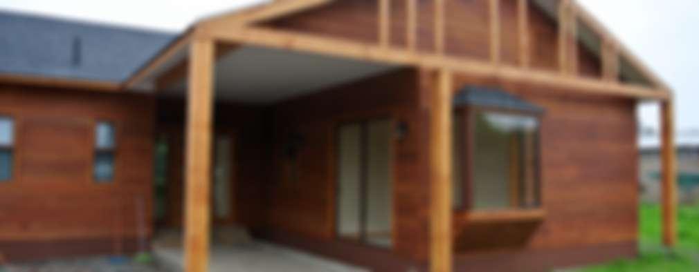 Projekty, wiejskie Domy zaprojektowane przez AtelierStudio