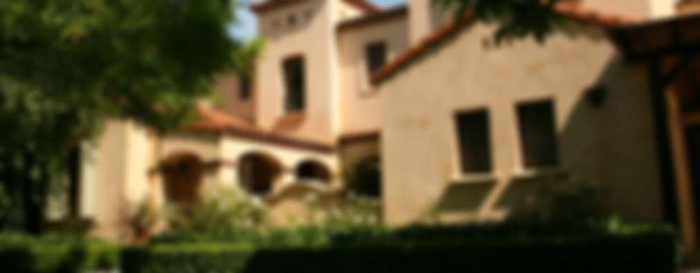 Casa en Pacheco Golf Club: Casas de estilo clásico por Rocha & Figueroa Bunge arquitectos