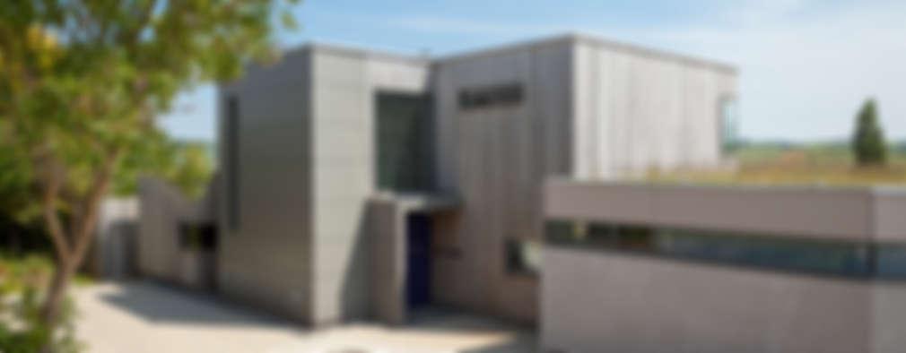 Casas de estilo moderno por Designscape Architects Ltd