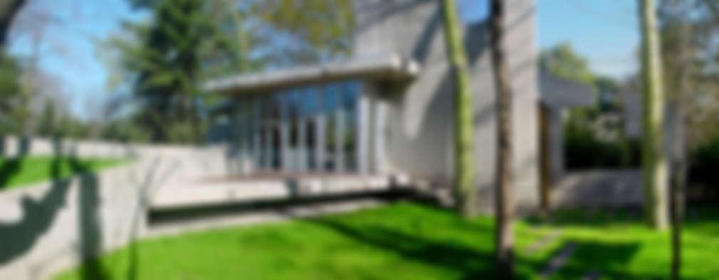 CASA  en C.U.B.A.: Casas de estilo moderno por MZM   Maletti Zanel Maletti arquitectos