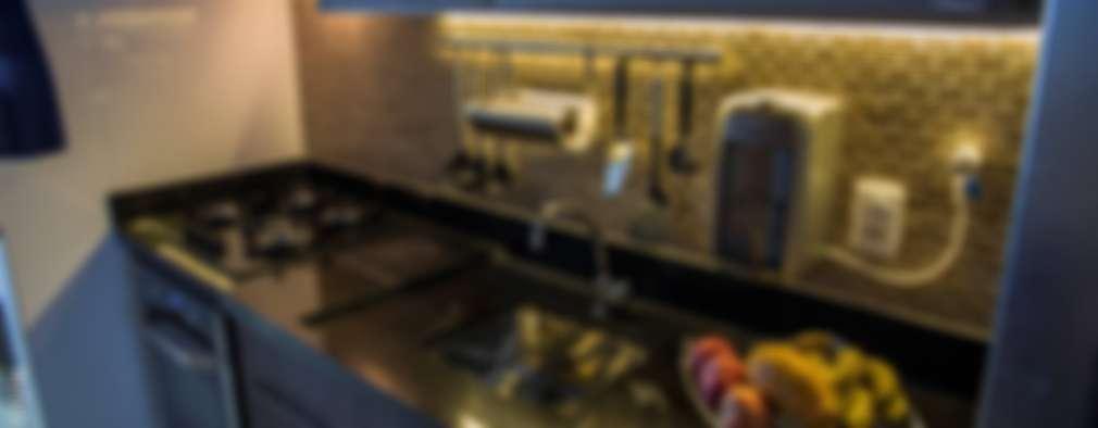 Cocinas de estilo rústico por Camarina Studio