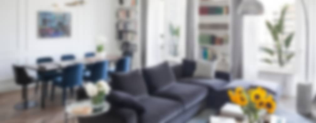 soggiorno: Soggiorno in stile in stile Moderno di Costa Zanibelli associati
