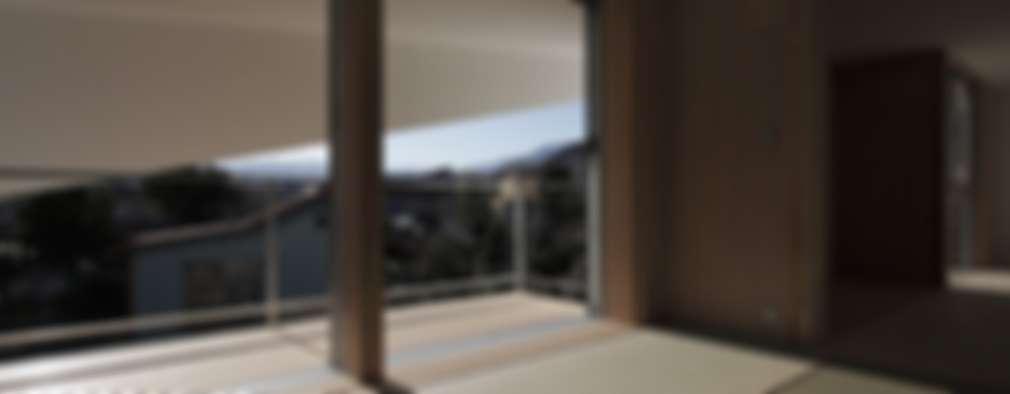 上溝の家: 前田工務店が手掛けた樹脂サッシです。