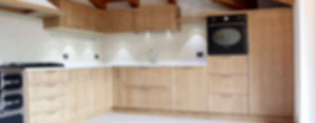 Cucine su misura:  in stile  di ARREDAMENTI PIVA