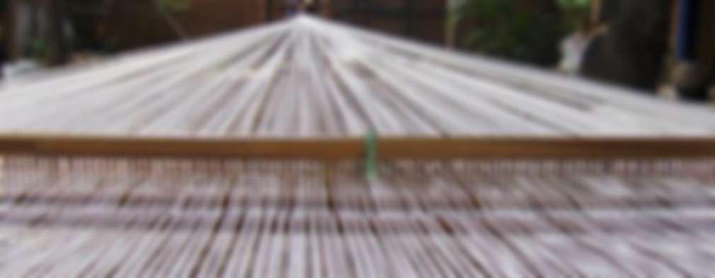 ACOMODO DE LOS HILOS; PREPARACIÓN DEL TELAR:  de estilo  por DECORCINCO DISEÑO ARTESANAL TEXTIL; CORTINAS, COLCHAS, COJINES, MANTELES Y COMPLEMENTOS