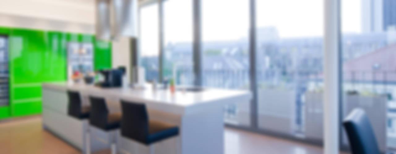 Küche in Apple Green... Moderne Küchen von KERN-DESIGN GmbH Innenarchitektur + Einrichtung Modern