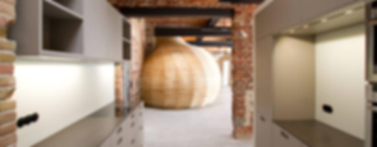 Loft Wedding Industriale Küchen von designyougo - architects and designers Industrial