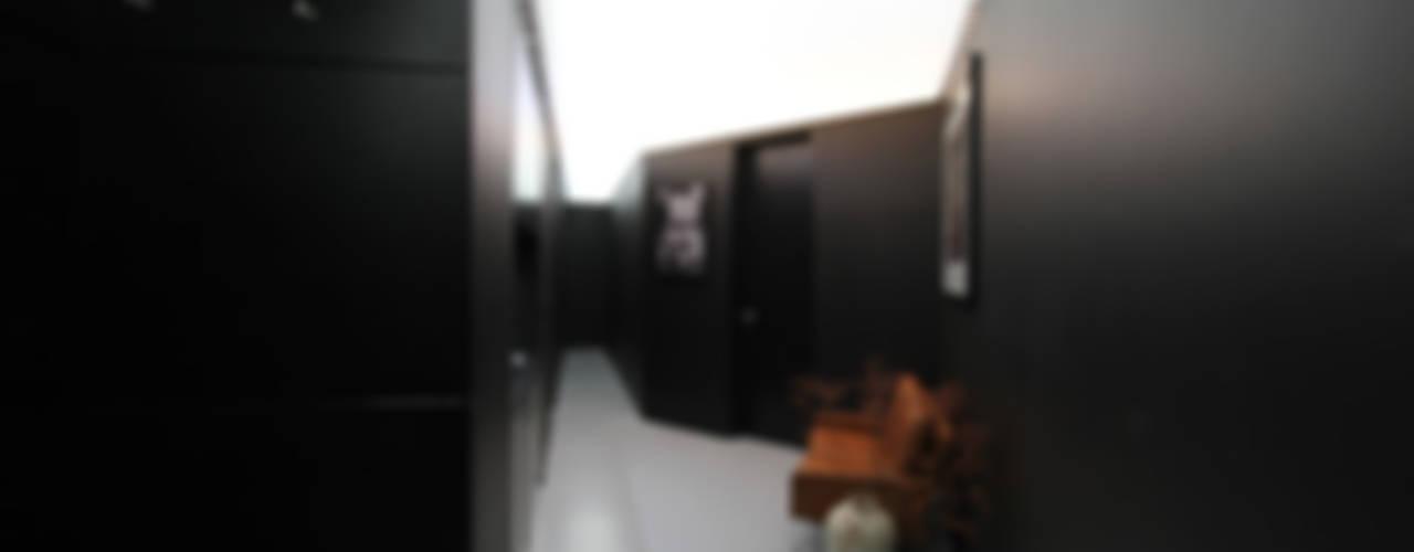 Modern corridor, hallway & stairs by designyougo - architects and designers Modern