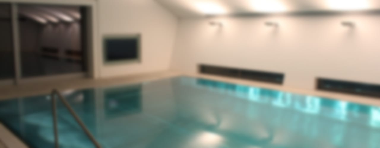 Indoor Pool: Schwimmbad im Haus