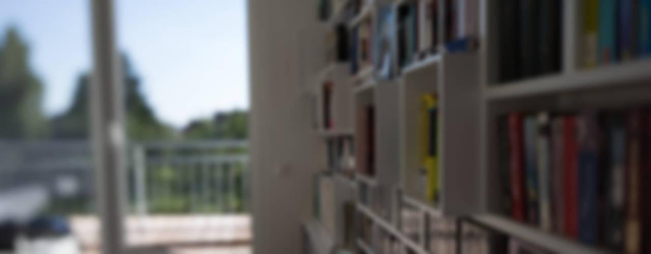 Estudios y despachos de estilo moderno de Hellmers P2 | Architektur & Projekte Moderno