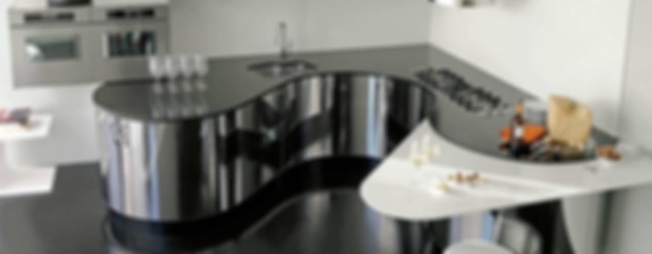 Luxusküche / italienische Designerküche in Edelstahl und Echtholz Küchengaleria Oßwald GmbH Küche