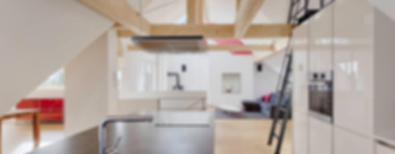 Dachgeschoss-Ausbau Moderne Küchen von PARTNER Aktiengesellschaft Modern