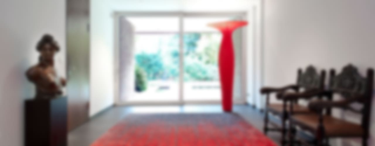 Modern Corridor, Hallway and Staircase by schulz.rooms Modern